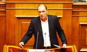 Βουλή: Ο Σταθάκης προανήγγειλε ρύθμιση για τα «κόκκινα» δάνεια