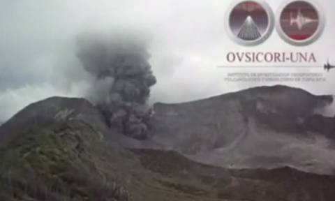 Τρομακτική έκρηξη ηφαιστείου στην Κόστα Ρίκα (video)