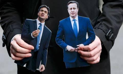 Εκλογές Βρετανία 2015: Αμφίρροπη μονομαχία Κάμερον-Μίλιμπαντ