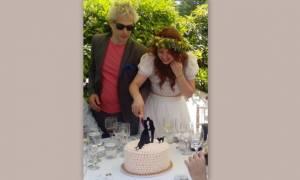 Η Άντα Λιβιτσάνου γράφει για το γάμο και μας δείχνει τον άντρα της