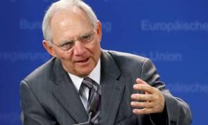 Σόιμπλε: Οι θεσμοί θα κρίνουν τη βιωσιμότητα του ελληνικού χρέους