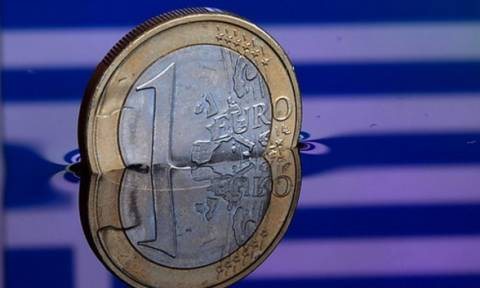 Wirtschaftblatt: Σε οικονομικά εμπόλεμη κατάσταση η Ελλάδα