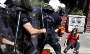 Τουρκία: Κατηγορίες για τρομοκρατία σε 24 διαδηλωτές που συνελήφθησαν την Πρωτομαγια