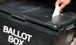Βρετανία: Τόρις και Εργατικοί ρίχνουν τις τελευταίες τους δυνάμεις στην εκλογική μάχη