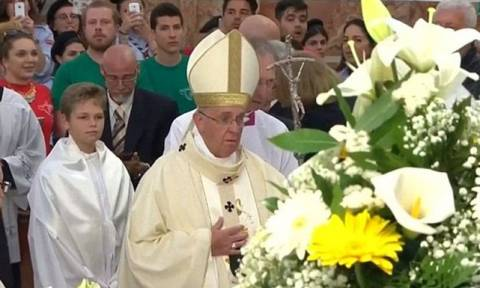 Πάπας Φραγκίσκος: «Προσευχηθείτε για μένα, έχω πρόβλημα υγείας»