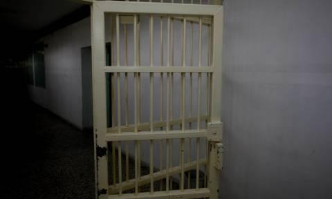 Λάρισα: Καταδικάστηκε πατέρας που ασελγούσε στον αυτιστικό γιο του