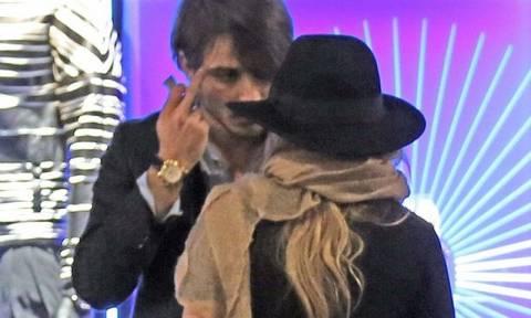 Άγριος καυγάς ηθοποιού με τον σύντροφό της  – Ξέσπασε σε κλάματα