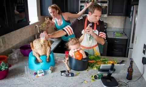 Κάπως έτσι είναι η χαοτική καθημερινότητα ενός γονιού! Δεν συμφωνείτε;