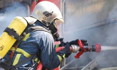 «Συναγερμός» στην Πυροσβεστική για πυρκαγιά στα Κάτω Πατήσια
