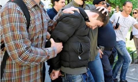 Υπό δρακόντεια μέτρα ασφαλείας η μεταφορά του παιδοκτόνου στις φυλακές Κέρκυρας
