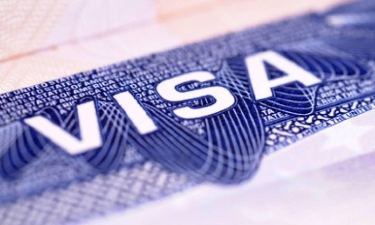 Στα 2,5 δισ. ευρώ οι συναλλαγές με κάρτα από τουρίστες το 2014
