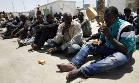 Λιβύη: Η ακτοφυλακή συνέλαβε 600 μετανάστες πριν φύγουν για την Ιταλία