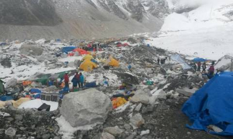 Νεπάλ: Βρέθηκαν ανθρώπινα μέλη διασκορπισμένα στις πλαγιές βουνού
