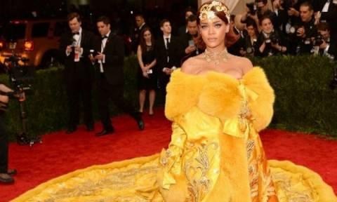 Γιατί η Rihanna επέλεξε το κίτρινο φόρεμα που έγινε viral για το Met Gala;