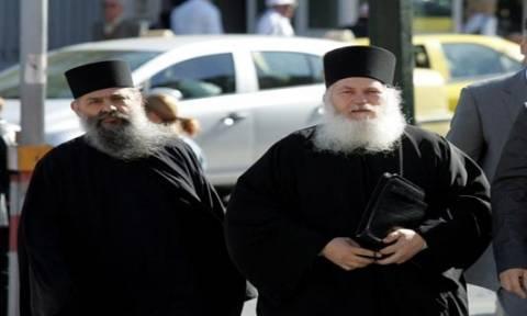 Καταρρέει το κατηγορητήριο εναντίον του μοναχού Αρσένιου
