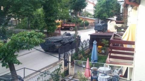 Χάος στα Σκόπια-Βγήκαν τα τεθωρακισμένα στους δρόμους (photos)