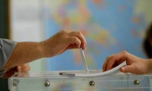 Δημοσκόπηση: Συμβιβασμός με λύση κοινής αποδοχής χωρίς εκπτώσεις «στις κόκκινες γραμμές»