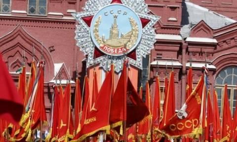 Μεγαλειώδης παρέλαση στη Μόσχα στην 70ή επέτειο της νίκης κατά του φασισμού (photos)