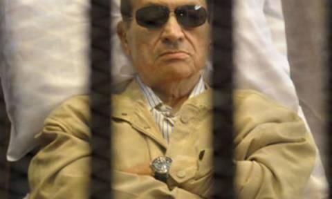 Σε τριετή φυλάκιση καταδικάστηκε ο Χόσνι Μουμπάρακ
