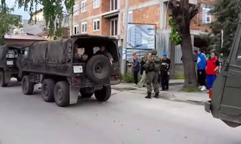 Σκόπια: Συνεχίζονται οι ένοπλες συρράξεις στο Κουμάνοβο με νεκρούς και τραυματίες