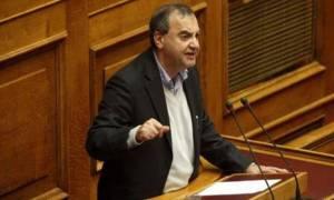 Δ. Στρατούλης: Η κυβέρνηση δεν εγκαταλείπει τις κόκκινες γραμμές της
