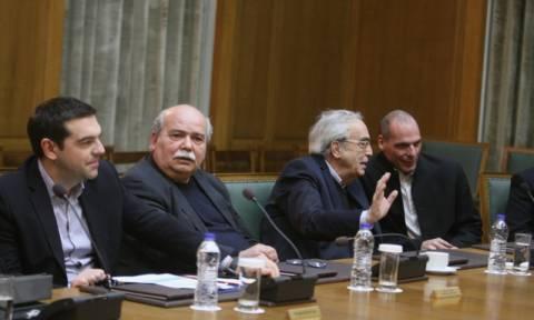 Στην τελική ευθεία για το Eurogroup – Συνεδριάζει το κυβερνητικό συμβούλιο