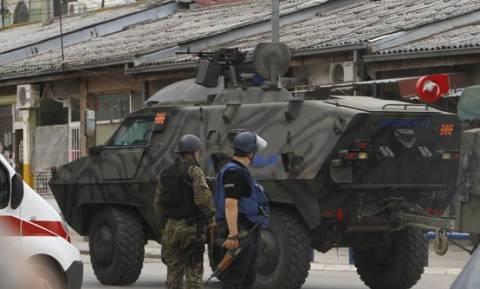 Σκόπια: Έκτακτη σύσκεψη του συμβουλίου ασφαλείας – 8 οι νεκροί αστυνομικοί (video)