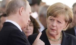 Συνεργασία για διπλωματικές λύσεις ζήτησε η Μέρκελ από τον Πούτιν (videos)
