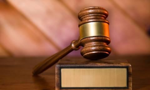 Μεταφορά της δίκης της Χ.Α. ζητούν οι συνήγοροι πολιτικής αγωγής