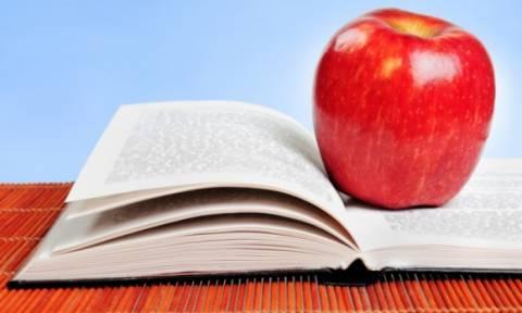 Οι εξετάσεις πλησιάζουν: Τι πρέπει να τρώνε τα παιδιά όταν διαβάζουν