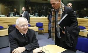 Στις 15:15 η κρίσιμη συνάντηση Βαρουφάκη - Σόιμπλε στις Βρυξέλλες