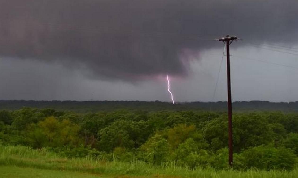 ΗΠΑ: Τρεις νεκροί και δέκα αγνοούμενοι από τις ισχυρές καταιγίδες (videos & pics)