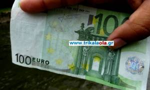 Τρίκαλα: Βρέθηκε ο άνθρωπος που πέταξε τα ευρώ στον Ληθαίο ποταμό