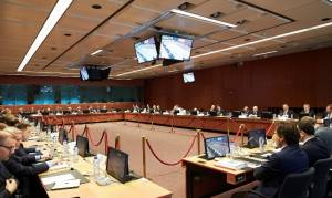 Προσπάθεια υποβάθμισης της θετικής δήλωσης του Eurogroup από ΝΔ και ΠΑΣΟΚ
