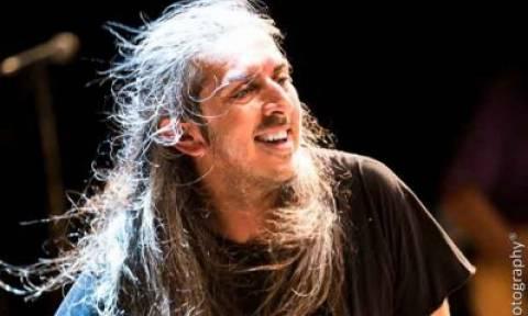 Ο Γιάννης Χαρούλης για δύο καλοκαιρινές συναυλίες στο Θέατρο Βράχων
