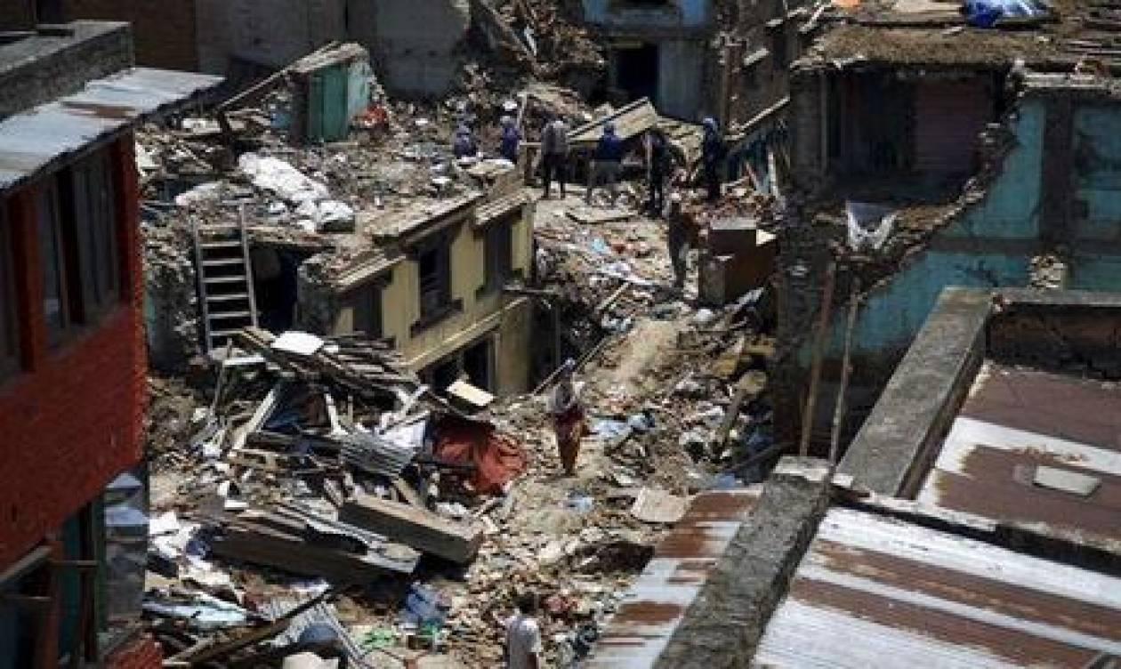 Σεισμός Νεπάλ: Τους 42 έφτασαν οι νεκροί