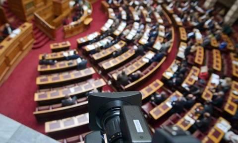 Βουλή: Άρχισε στην Ολομέλεια η συζήτηση της ΠΝΠ για τη ρύθμιση ληξιπρόθεσμων οφειλών