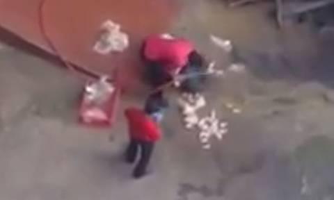 Μετά από αυτό το βίντεο δύσκολα θα ξαναφάτε κοτόπουλο σε fast food