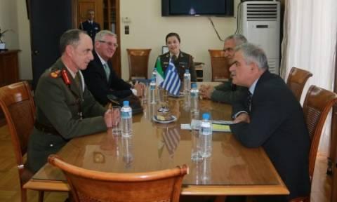 Συνάντηση Τόσκα με αντιστράτηγο της Ιρλανδίας