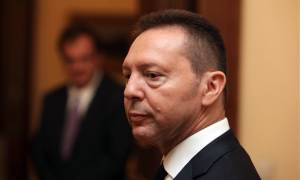 Forget it Γιάννης: Ή τραπεζίτης ή πολιτικός