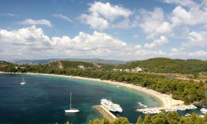Τρίτη στον κόσμο η Ελλάδα σε παραλίες με «Γαλάζια Σημαία»