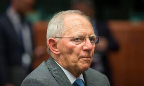 Bloomberg: Υπέρ του δημοψηφίσματος ο Σόιμπλε προς άρση του αδιεξόδου
