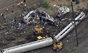 Εκτροχιασμός τρένου στη Φιλαδέλφεια: Επτά οι νεκροί - Βρέθηκε το μαύρο κουτί (vid & pics)