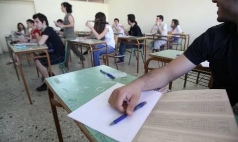 Πανελλήνιες εξετάσεις 2015: Άρχισε η αντίστροφη μέτρηση για χιλιάδες υποψηφίους
