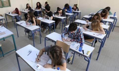 Πανελλήνιες 2015: Οι εκτιμήσεις των βάσεων και οι σχολές που προσφέρουν επαγγελματική αποκατάσταση