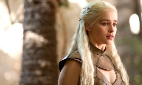 Η «Daenerys Targaryen» θέλει να κάνει… τρίο με διάσημο ζευγάρι
