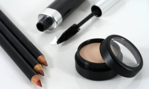 Ληγμένα καλλυντικά: Ποιους κινδύνους κρύβουν για το δέρμα και τα μάτια