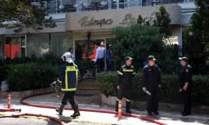 Μεγάλη φωτιά σε ξενοδοχείο στη Γλυφάδα