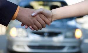 Ξόδεψε 320.000 ευρώ για μια πινακίδα αυτοκινήτου! Δείτε τι γράφει