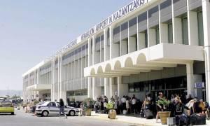 Ηράκλειο: Συλλήψεις στο αεροδρόμιο για πλαστά ταξιδιωτικά έγγραφα